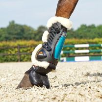 Equick eShock Overreach boots Fluffy